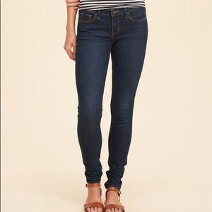 Hollister Dark wash Skinny Jeans 7L 28 low rise